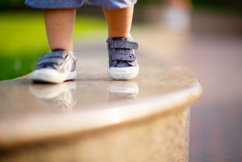 子ども靴の買い替え時期とタイミング