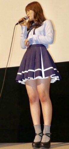 渋谷凪咲の足は太い?1